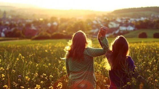 Cos'è l'amicizia? La risposta dei filosofi commentata dagli studenti